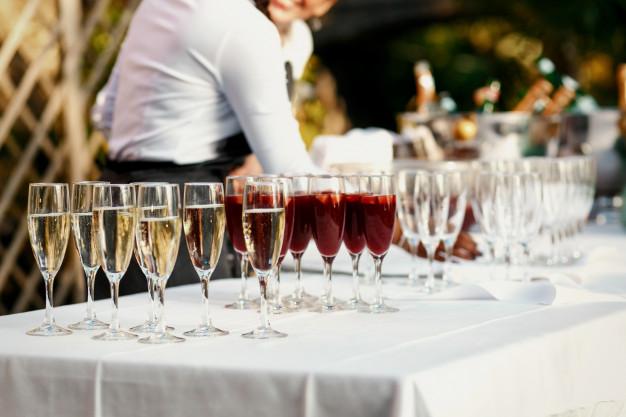 El vino en tu boda: ¡Protagonista en la mesa¡
