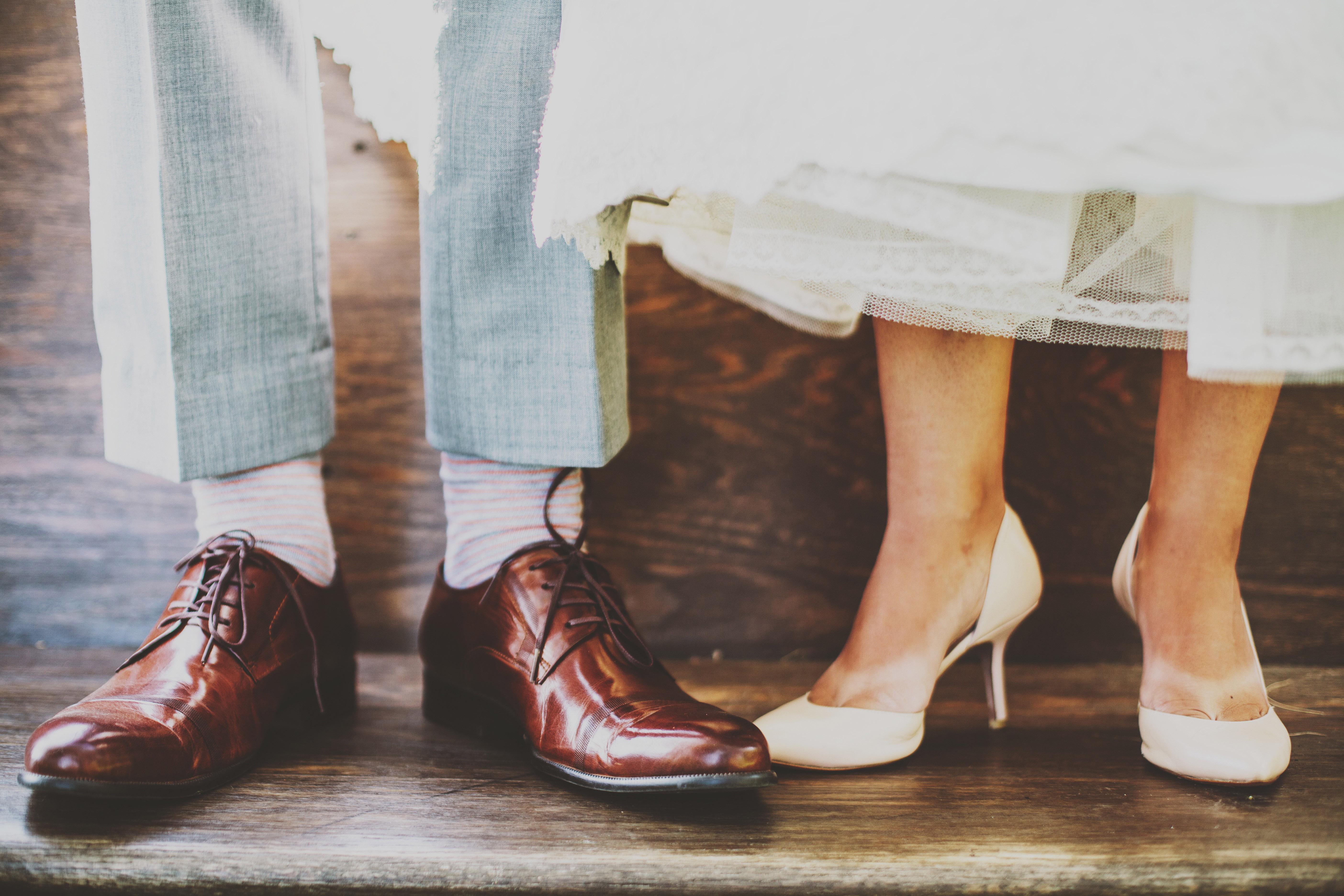 ¿Cómo vestir para asistir a una boda?